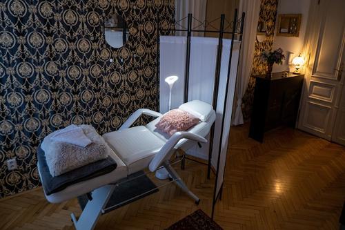 Obrázek 11560 GR. COSMETIC SALON PRAGUE